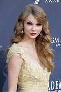 Taylor Swift Metal Prints - Taylor Swift At Arrivals For Academy Metal Print by Everett