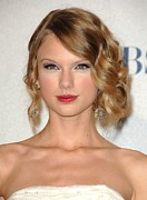 Curly Hair Prints - Taylor Swift In The Press Room Print by Everett