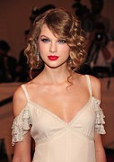 Taylor Swift Metal Prints - Taylor Swift Wearing A Dress By Ralph Metal Print by Everett