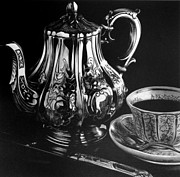 Reflection Drawings - Teapot by Jerry Winick