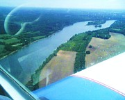 Dorothy S Guinn - Tennessee River Flying