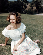 1950s Portraits Prints - Teresa Wright, Ca. Late 1950s Print by Everett