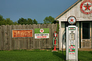 Country Framed Print Prints - Texaco Ago I  Print by Steven Ainsworth