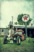 Old - Texaco by Joel Witmeyer