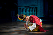 Clothes Clothing Originals - Thai girl in traditional dress performs a dance in the Doi Suthe by Max Drukpa