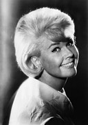 Doris Day Framed Prints - That Touch Of Mink, Doris Day, 1962 Framed Print by Everett