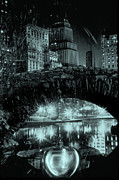 Nyc Glass Art Acrylic Prints - The Apple At Night Acrylic Print by Etti Palitz