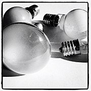 Still Life Art - The Electric Bulbs To Be Thrown Away by Norimoto Saeki