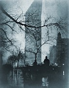 Drawn Photo Prints - The Flatiron Building, New York City Print by Everett