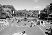 Streetscenes Photos - THE FOUNTAIN of CENTRAL PARK in BLACK AND WHITE by Rob Hans