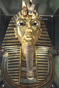 Recreational Structures Prints - The Funeral Mask Of King Tutankhamun Print by Richard Nowitz