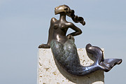 Shore Sculptures - The Littlest Mermaid by NIna Winters