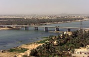 Gulf War 2 Framed Prints - The Main Bridge In An Nasiriyah Iraq Framed Print by Everett