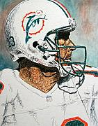 Dan Marino Drawings Framed Prints - The Man Framed Print by Maria Arango