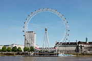 Ferris Wheel Posters - The Millennium Wheel And Thames Poster by Richard Newstead