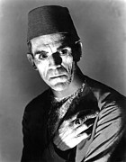 Horror Movies Photos - The Mummy, Boris Karloff, 1932 by Everett