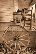 Folk Art Photos - The Old Wagon Wheel by Carmen Del Valle