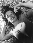 Hurrell Photo Framed Prints - The Outlaw, Jane Russell, 1943, Photo Framed Print by Everett