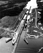 Ev-in Metal Prints - The Panama Canal, A Cruise Ship Moves Metal Print by Everett