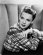 Films By Vincente Minnelli Framed Prints - The Pirate, Judy Garland, 1948 Framed Print by Everett