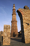 The Qutab Minar Tower, Built Print by Gordon Wiltsie