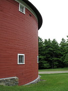 Digital Photography - The Round Barn by Lynn-Marie Gildersleeve