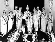 King George Vi Framed Prints - The Royal Family Poses For The Official Framed Print by Everett