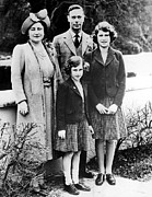 Queen Elizabeth Ii Metal Prints - The Royal Family, Queen Elizabeth Later Metal Print by Everett