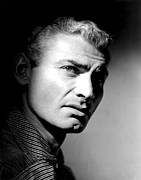 1950s Portraits Prints - The Spoilers, Jeff Chandler, 1955 Print by Everett