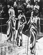 Singer Photo Framed Prints - THE SUPREMES, c1963 Framed Print by Granger
