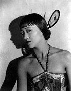 1920s Portraits Posters - The Thief Of Bagdad, Anna May Wong Poster by Everett