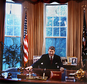 1980s Photo Prints - The White House, President Ronald Print by Everett