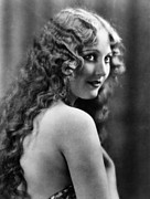 Looking Over Shoulder Posters - Thelma Todd, Ca. Late 1920s Poster by Everett