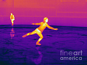 Electromagnetic Spectrum Photos - Thermogram Of A Skater by Ted Kinsman