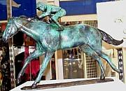Racetrack Sculptures - Thoroughbred by Wayne Strickland
