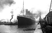 1912 Photos - Titanic in Southhampton 2 by Stefan Kuhn