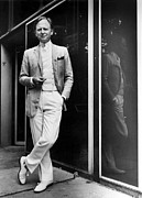 Tom Wolfe Framed Prints - Tom Wolfe In 1981 Framed Print by Everett
