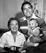 Tony Bennett, Wife Patricia, Son Print by Everett