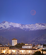 2011 Prints - Total Lunar Eclipse Print by Guido Montanes Castillo