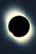 Eclipse Art - Total Solar Eclipse From Aruba, 26/02/1998 by David Nunuk