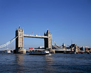 British Culture Prints - Tower Bridge, London Print by Lothar Schulz