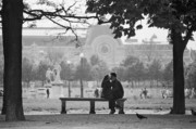 Jardin Photography - Tuileries Kiss by Hans Mauli