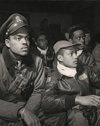 Officers Metal Prints - Tuskegee Airmen Of The 332nd Fighter Metal Print by Everett