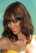 Gibson Amphitheatre Prints - Tyra Banks At Arrivals For 2011 Teen Print by Everett