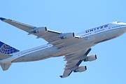 Passenger Plane Posters - United Airlines Boeing 747 . 7D7838 Poster by Wingsdomain Art and Photography