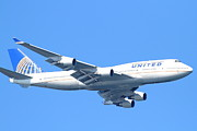 Passenger Plane Metal Prints - United Airlines Boeing 747 . 7D7852 Metal Print by Wingsdomain Art and Photography