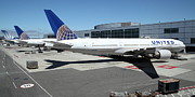Passenger Plane Posters - United Airlines Jet Airplane at San Francisco SFO International Airport - 5D17112 Poster by Wingsdomain Art and Photography