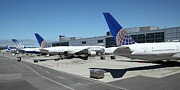 Passenger Plane Posters - United Airlines Jet Airplane at San Francisco SFO International Airport - 5D17116 Poster by Wingsdomain Art and Photography