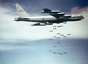 American Aviation Art - Us Air Force B-52 Dropping 750 Pound by Everett