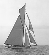 Padre Art Photos - Valkyrie III at 2nd Mark of 2nd Americas Cup Race 1895 by Padre Art